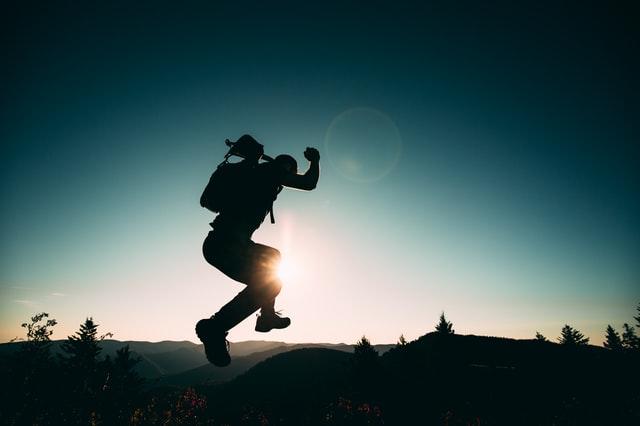 Springen in het diepe: hoe kan je angsten en onzekerheid inzetten voor keuzes en handelen?